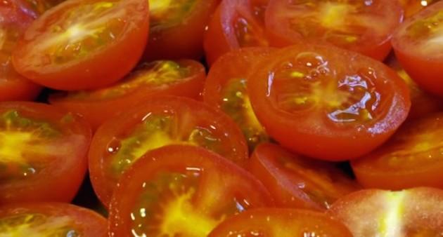 cherry tomatoes hack