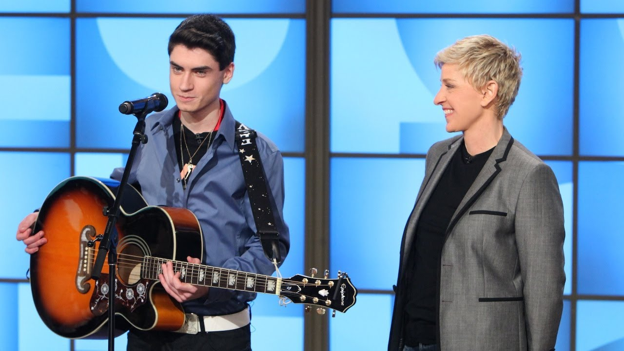 Ellen\'s Reaction To This 16-Year-Olds Voice Is Priceless! | BoredomBash