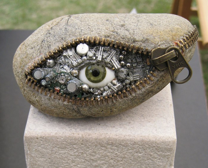 Cool Rocks And Stone : This guy create the impossible out of stones amazing