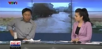 Funny News Anchor Phone Incident