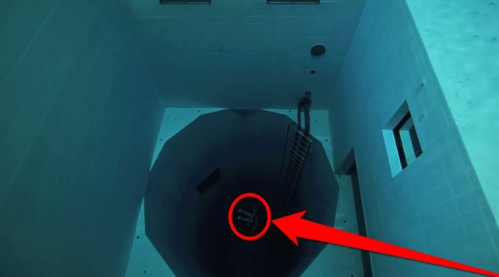 Would You Dive 113ft Down To The Bottom Of The World 39 S