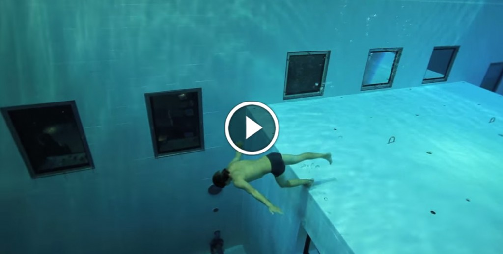 Would You Dive 113ft Down To The Bottom Of The World 39 S Deepest Pool Boredombash