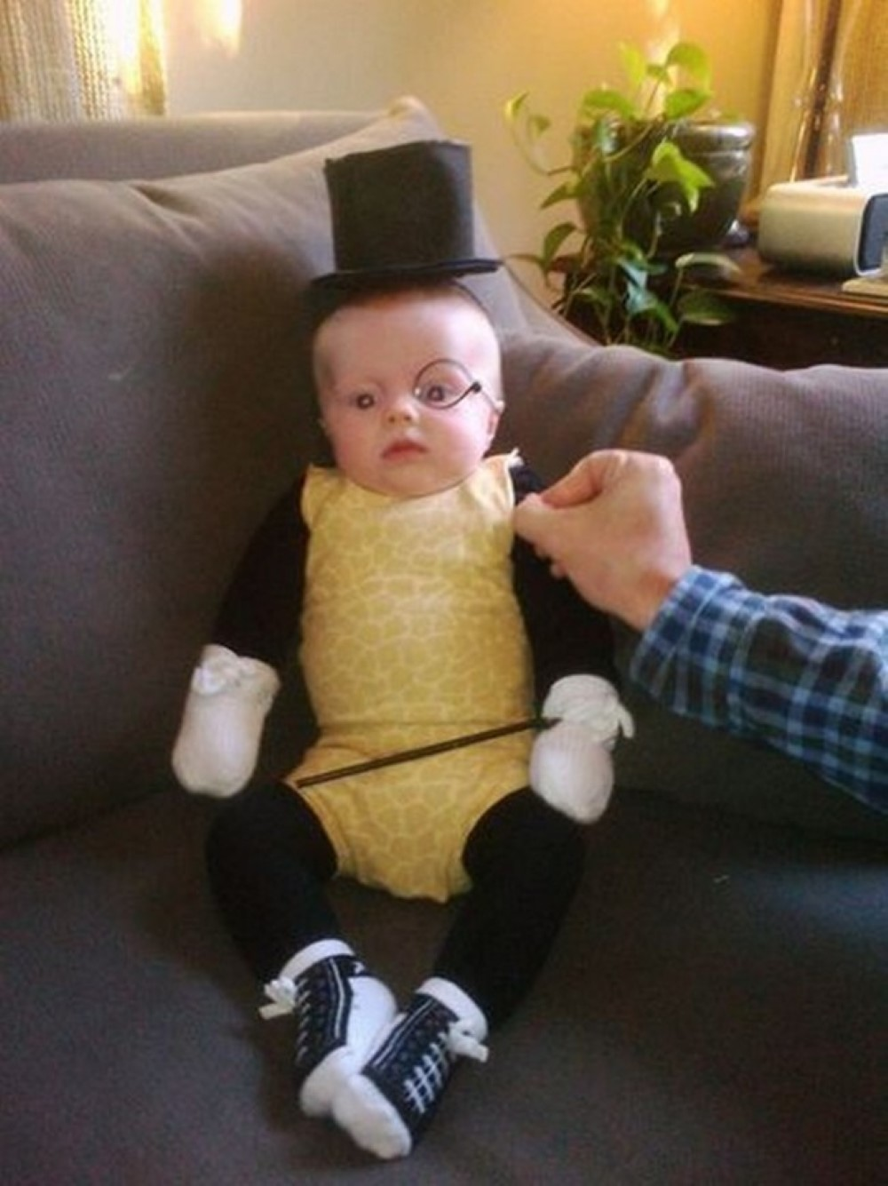 35 Baby Halloween Costumes That Are As Cute As They Are Scary ...