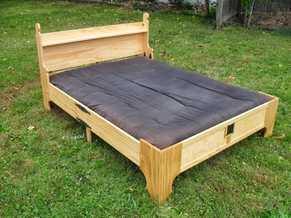Кровать на даче своими руками