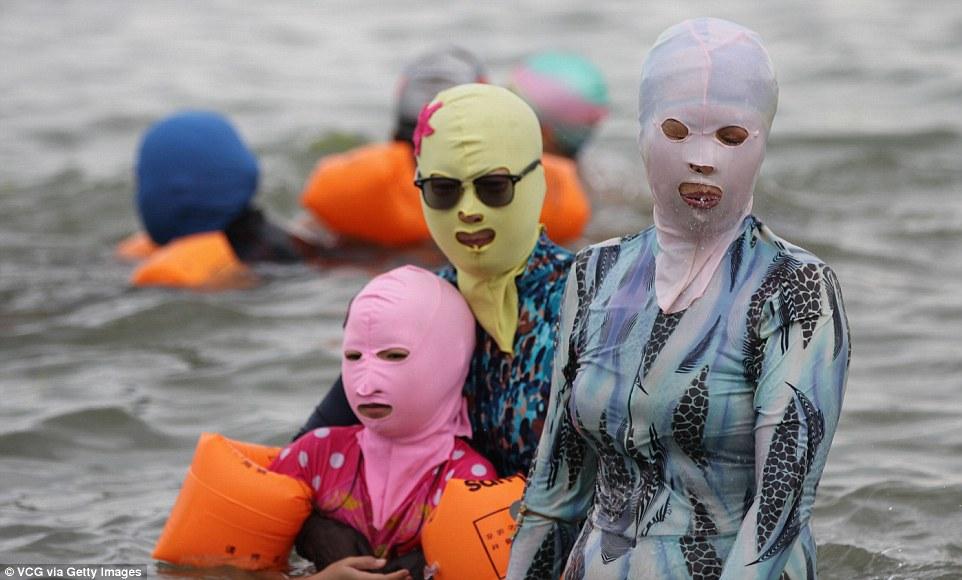 chinese sun bathers 1