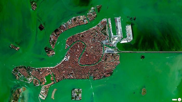 Venice Overview (Custom)