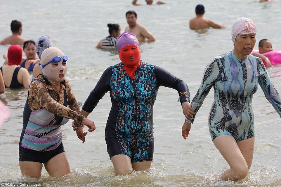 chinese sun bathers 3
