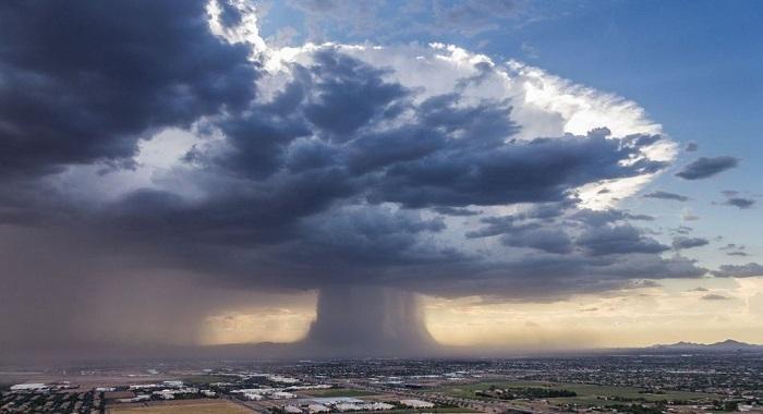 This Pilot Captures A Biblical Rain Bomb As It Comes