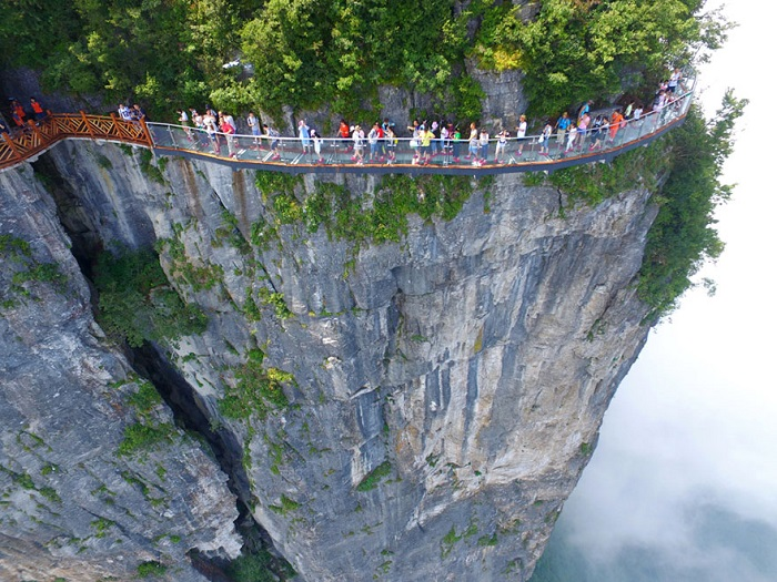 glass walkway in china 1