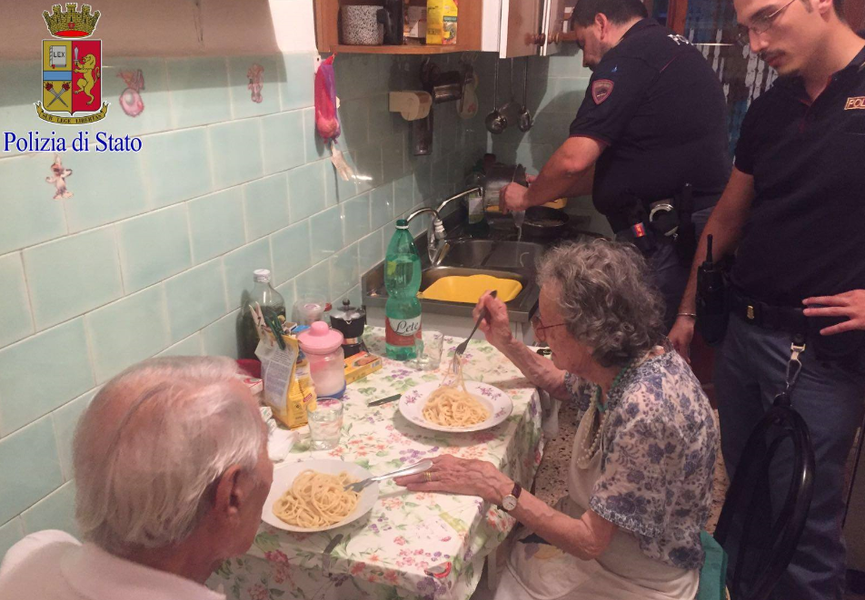 police cook for elderly 2