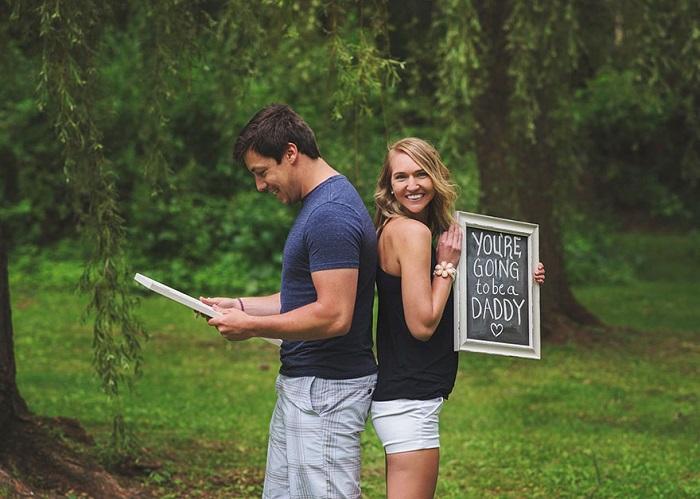 pregnancy announcement photoshoot 2
