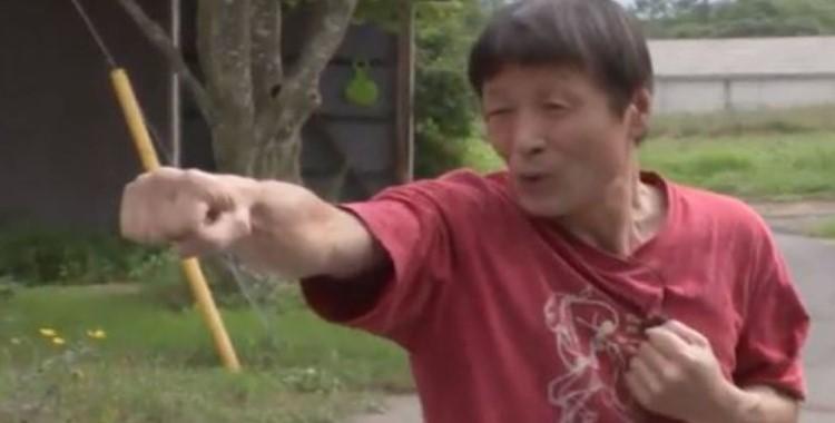 Japanese man fights bear 2